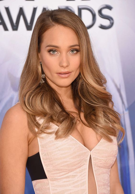 International Celebrities: Hannah Davis – 49th Annual CMA Awards in Nashville...