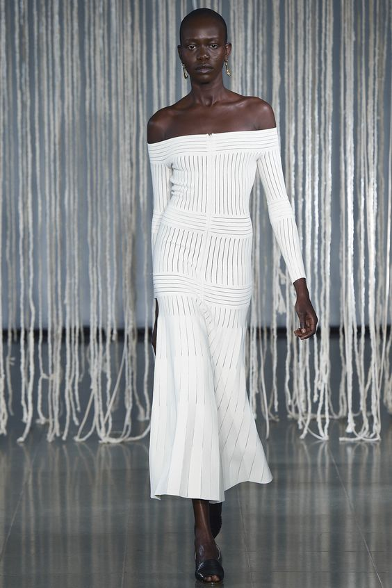 Barbara Casasola Spring 2016 Ready-to-Wear Collection Photos - Vogue