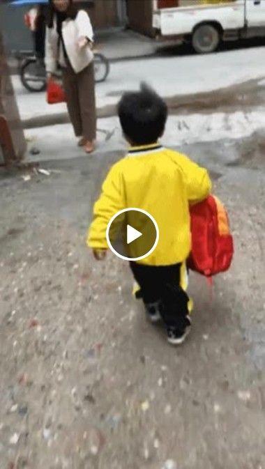 Garoto se cansa da mochila e tenta joga no lixo