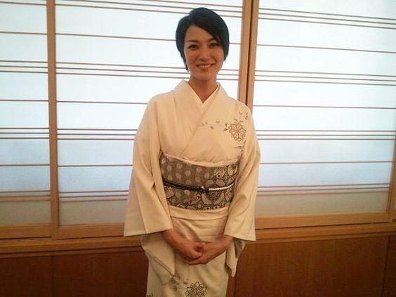 着物板谷由夏さん