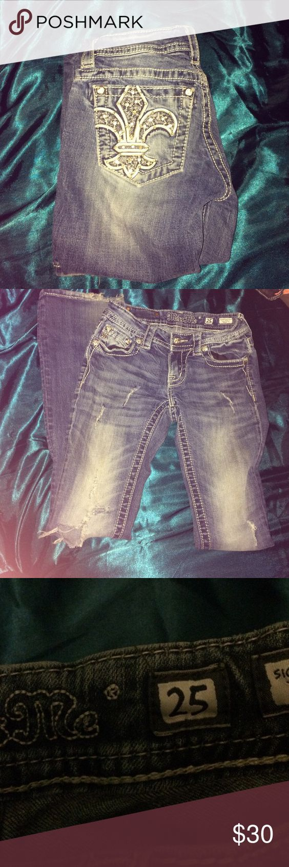 Size 25 miss Mes Used but very nice. Miss Me Pants Boot Cut & Flare