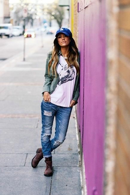 Stylishly Shredded: 8 Ways to Pull Off a Pair of Ripped Jeans ...