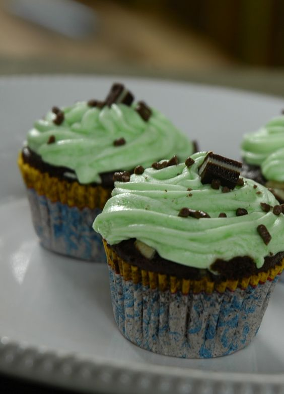 Love Like Crazy: Grasshopper / Mint Chocolate Cupcakes