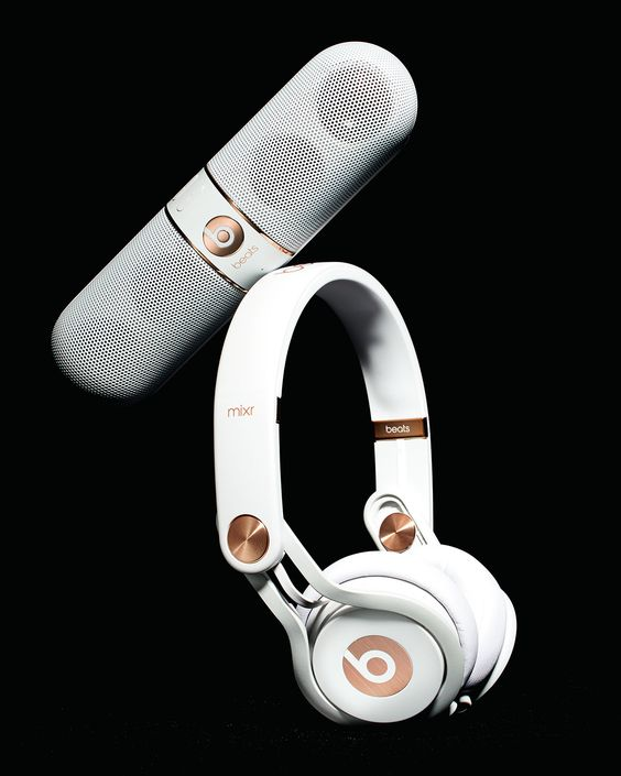 beats by dr dre rose gold tone on ear headphones pill. Black Bedroom Furniture Sets. Home Design Ideas