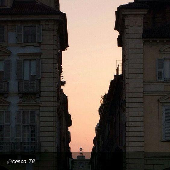 #Torino raccontata dai cittadini per #InTO Foto di @cesco_78 #torino Comune di Torino al tramonto