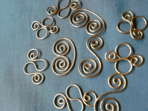 All kinds of curvy, spiral links