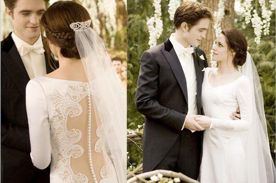 <span>Los vampiros de la saga Crepúsculo tampoco se privaron de una boda con un velo tan romántico como vintage, para Kristen Stewart, aquí con Robert Pattinson. </span></p>