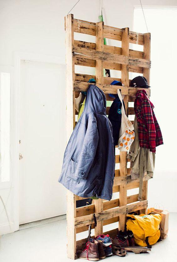 Resultado de imagem para expor roupas em pallets