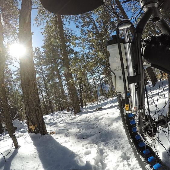 Durango trails are primo right now for fatbiking. #bedrockbags #velorutioncycles #salsacycles #blackborow #rideyearround by bedrockbags