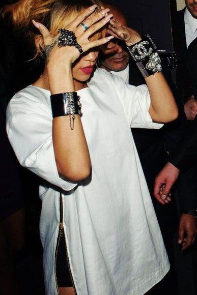 blouse rihanna riri rihanna style jewels rihanna jeans split shirt split shirt dress celebrity style celebrity trendy trending now riri by rihanna hot topic sexy sexy dress