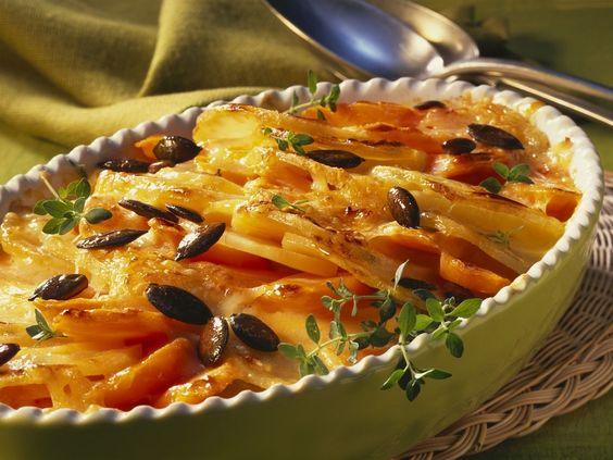 Süßkartoffel-Karotten-Gratin mit Kürbiskernen