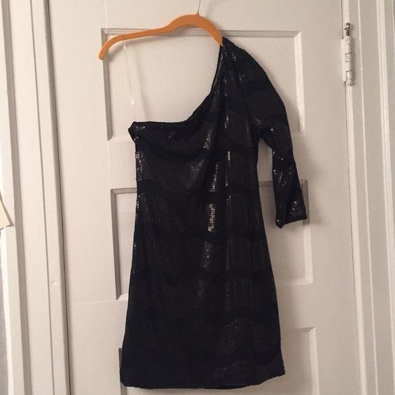 Black one shoulder dress Never worn still with tag Dresses