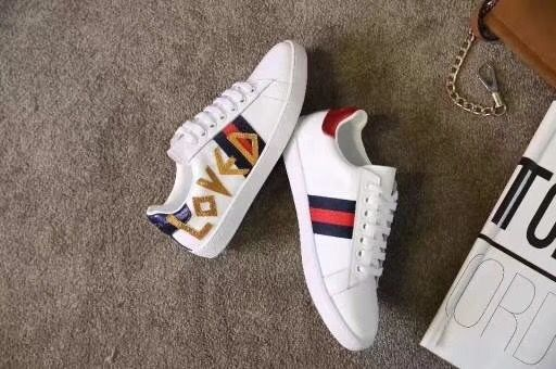 super popular f29a9 0fd90 Pin by Wendy on Gucci shoes   Gucci shoes, Adidas sneakers ...