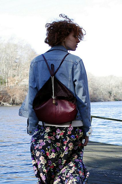 Our girl @ClaireGeist styled up her Getty backpack with some refreshing florals! Love.