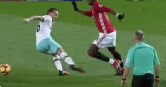 RT @FootballFunnys: VIDEO: Paul Pogba booked for a shameful dive. Embarrassing. 89m dive! https://t.co/5RbcRU6EJ4