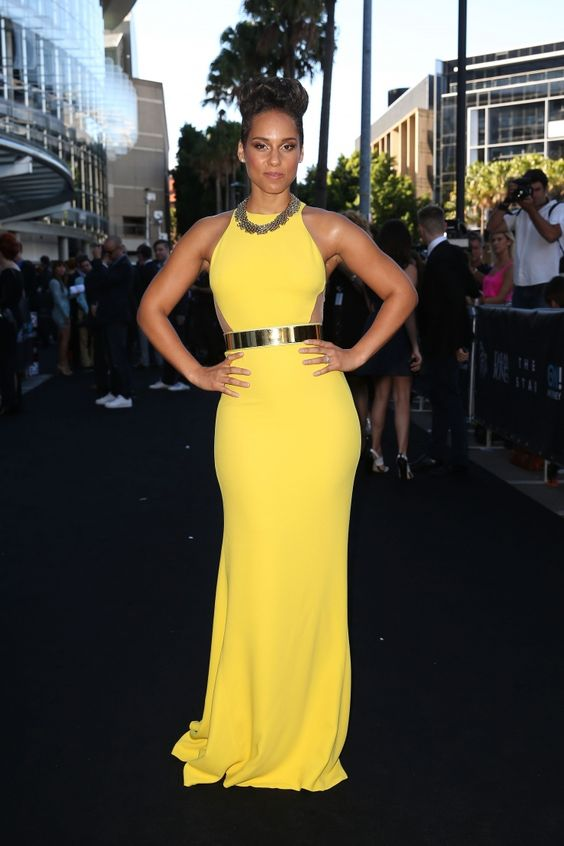 Spotted: Alicia Keys stuns in a flowing yellow gown at the 27th Annual ARIA Awards on Dec. 1 in Sydney: Yellow Gown, Flowing Yellow, Spotted Alicia, Alicia Keys, Keys Stuns, Annual Aria, 27Th Annual, Air Awards, Photo