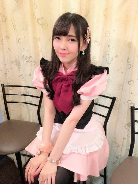 ピンクのお洋服の鬼頭明里
