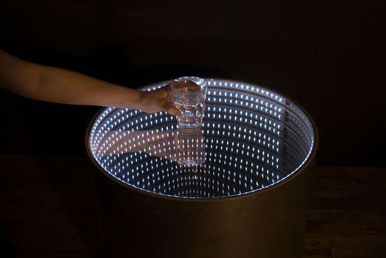 mesa-de-centro-com-efeito-espelho-infinito