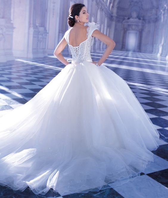 Young Sophisticates Style 2869 by Demetrios