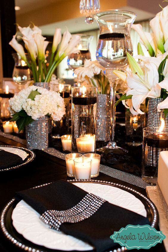 Absolutely LOVE this black, white, and sparkles themed wedding!