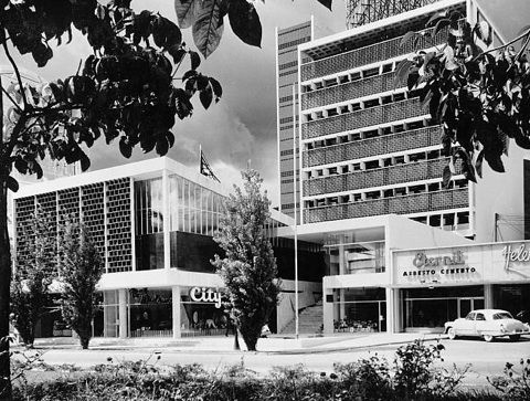 Se termina la construcci n de los m2 del edificio gran avenida en la plaza venezuela - Oficina de extranjeria avenida de los poblados ...