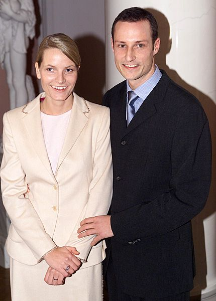 Ms. Mette-Marit Tjessem Høiby and Crown Prince Haakon poses for the press on the occasion of the announcement of their engagement on December 1, 2000