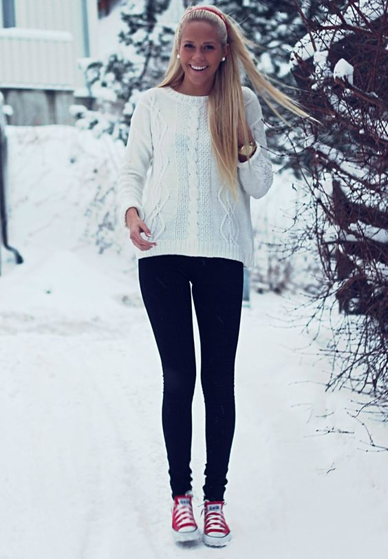 Sweater, leggings and converse