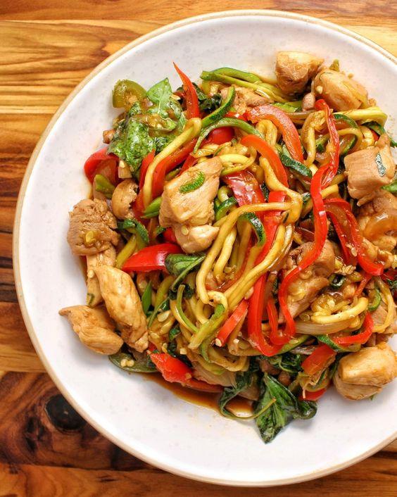Spicy Thai Drunken Zucchini Noodles (Zoodles) with Chicken