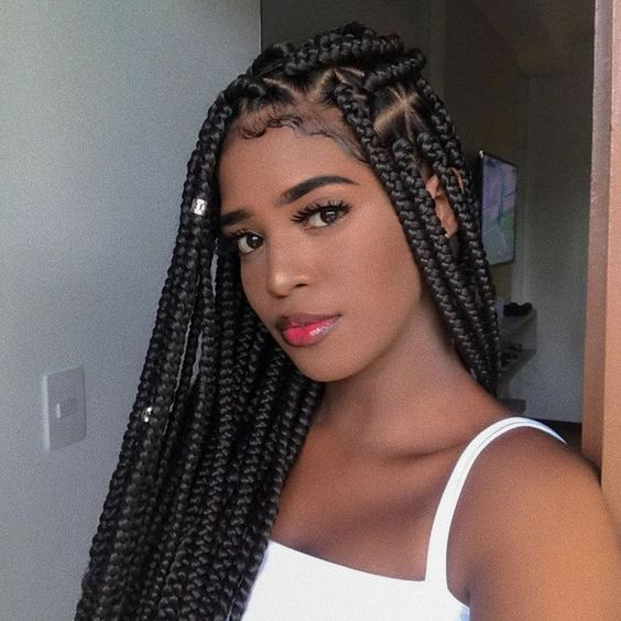 24 Inches 5 packs jumbo box braids hair xpression, No Shedding or fading Colors. Heat Resistant, can do any model such as crochet twist, and can dye any color you like.
