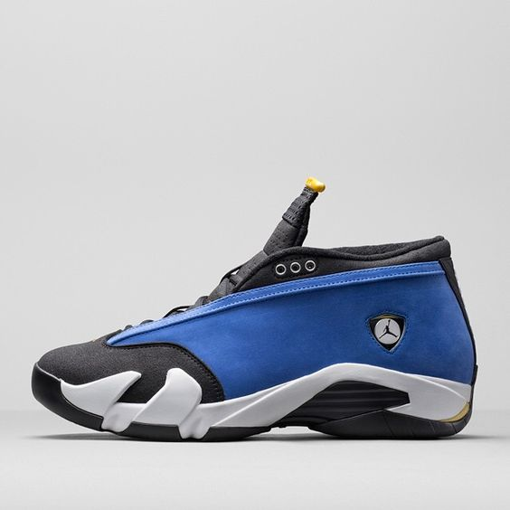 """High School hoops is where Jordan's legendary competitive fire was born.  More on the Air Jordan 14 Low ""Laney"" on sneakernews.com  Follow us on Snapchat:…"""