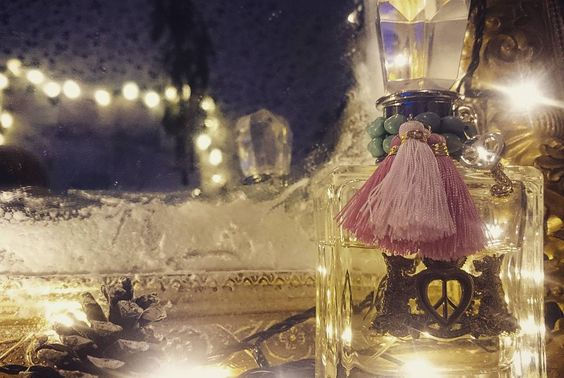 #dreamland #bedroom #homesweethome gold #mirror #lights #details #lighttrails #vintage #couture #juicycouture #tassel by ccathiii
