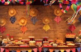 Decoração para mesa de festa junina
