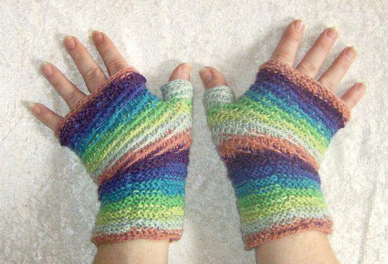 "Handschuhe - Fingerlose Handschuhe ""Regenbogen"" - ein Designerstück von Rosemarie-Kerschl bei DaWanda"