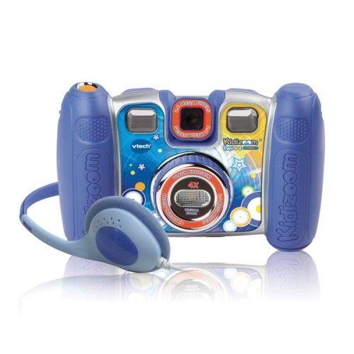 Voici beaucoup plus qu'un appareil photo. Kidizom propose 9 fonctions à son utilisateur. L'enfant prend des photos, des vidéos, il enregistre de la musique ou sa voix ou celle de ses amis, il réalise des trucages d'images, de sons, et des animations. Il regarde le résultat sur l'écran LCD. Les possibilités de jeu  sont nombreuses. Simple d'utilisation et solide, Kidizoom se connecte à l'ordinateur si l'enfant souhaite continuer ses trucages sur grand écran.
