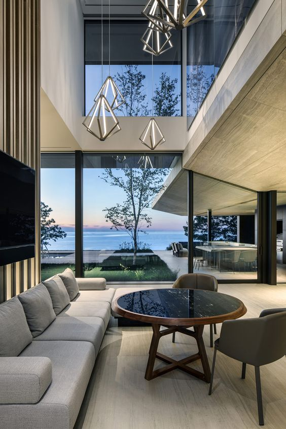 Luxury Modern Lakehouse In Canada