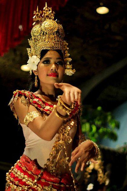 Điệu múa Apsara - điệu múa của người Chăm