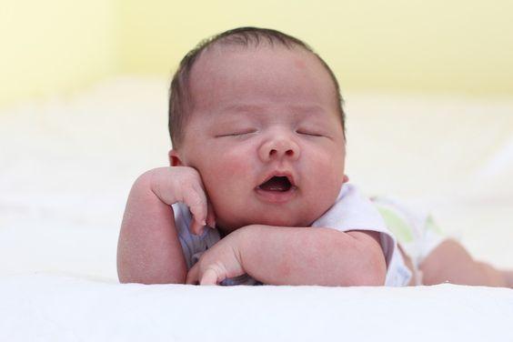 Comment s'endormir en une minute chrono ?noté 3 - 2 votes Du mal à trouver le sommeil? Les situations et les événements vécus dans la journée impactent vos nuits. Être stressé (— e) ou anxieux (— se), sans même forcément nous en rendre compte, nous empêche en effet de nous détendre. Le problème, c'est qu'une … More