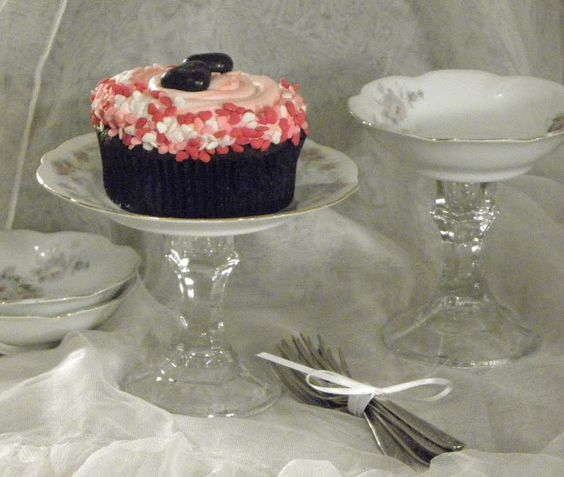 Cupcake pedestal stand make your own individual dessert for Plate cake stand diy