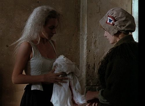 Ute Lemper as Marie Antoinette with Géraldine Danon as Rosalie Lamorliére  in the 1990 film 'L'Autrichienne'. | Film, Evolution, Cinema