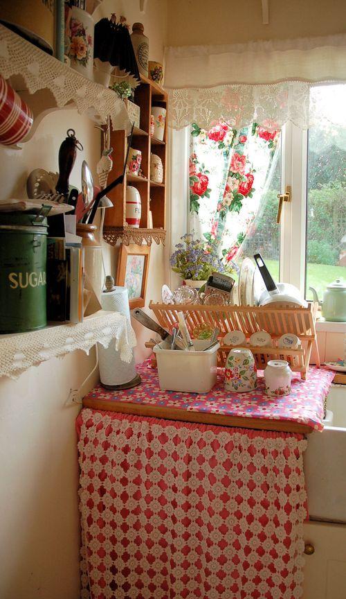 Reminds me of my great grandma's (little grandma) kitchen: