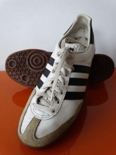 Vintage Adidas Universal Sneakers