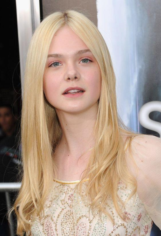Elle Fanning - Premiere Of Paramount Pictures Super 8 - Red Carpet