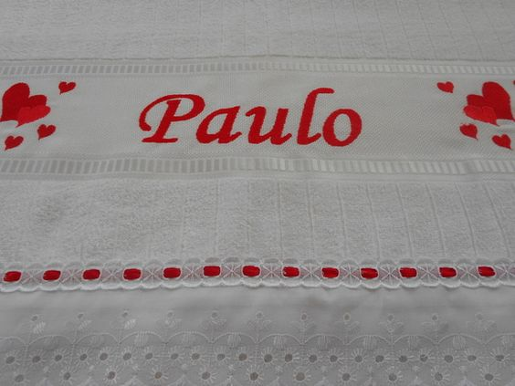 Toalha de banho personalizada com bordado a máquina (qualquer nome), lese e passa fita. R$ 50,00