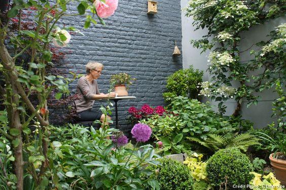 avant apr s une petite cour transform e en cocon romantique transformers. Black Bedroom Furniture Sets. Home Design Ideas