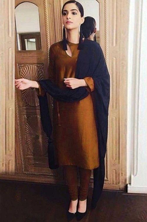 Top 30 Plain Punjabi Suits With Contrast Dupatta Latest Punjabisuits Color Combinat In 2020 Pakistani Fashion Party Wear Kurti Designs Party Wear Casual Dress Outfits,Blue Benjamin Moore Color Chart