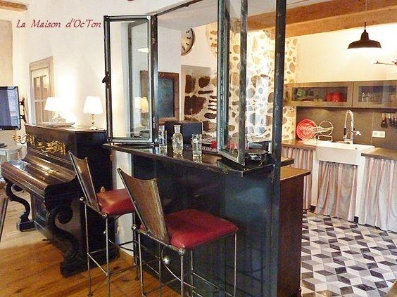 Salle a manger de la maison d 39 octon villa de charme la for Cuisine atypique