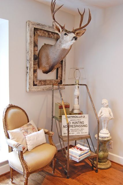 Frame the deer head, complete with no hunting sign