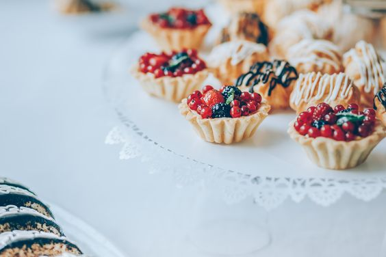 Dessert wedding tabl