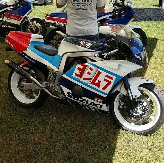 Suzuki GSX-R Slingshot 750 (88-91) et 1100 (89-92) - Page 30 8082216726fd67f52b3ee74bb101468b