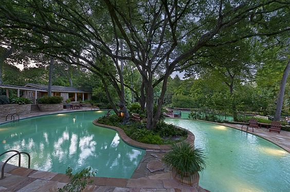 Houston TX Real Estate - 3940 Inverness Dr, Thought to be one of the largest pools in the US.